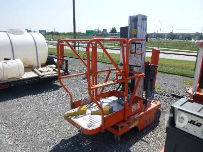 JLG 12SP Electric Personnel Material Lift