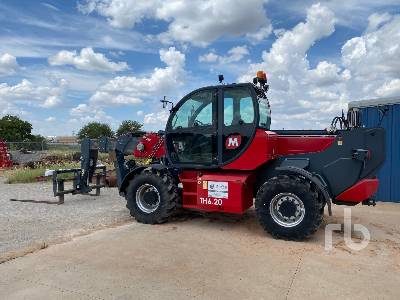 2017 MAGNI TH 6.20-D/C 13200 Lb Telescopic Forklift