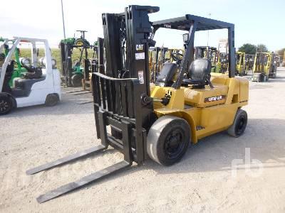 2005 CATERPILLAR DP40K1 Forklift