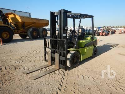 CLARK C40L 8000 Lb Forklift