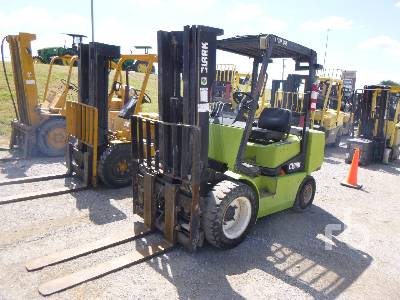 CLARK CGP32 6000 Lb Forklift