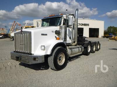 2013 KENWORTH T800W Tri/A Winch Tractor