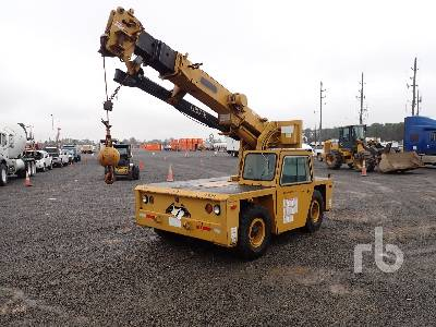 GROVE AP308 7000 Lb 4x4 Carry Deck Crane