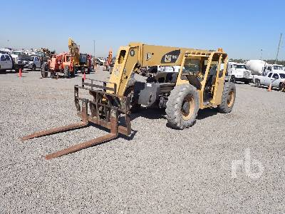 2009 CAT 9000 Lb 4x4x4 Telescopic Forklift