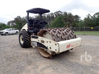 2006 INGERSOLL-RAND SD105F Vibratory Padfoot Compactor