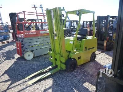 CLARK C500-25 Forklift
