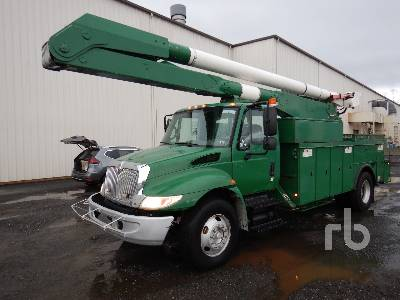 2004 INTERNATIONAL 4300SBA S/A w/Altec AA755L Bucket Truck