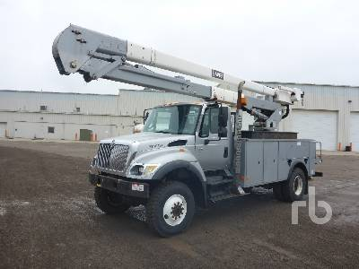 2006 INTERNATIONAL 7400 4x4 w/Hi-Ranger 5TC55 Bucket Truck