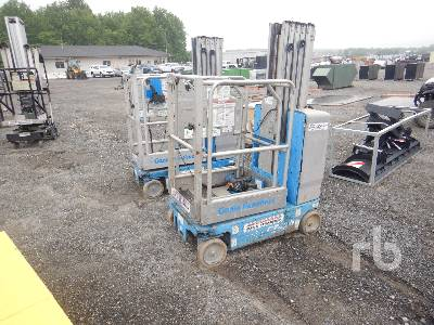 2010 GENIE GR20 Electric Personnel Lift Material Lift