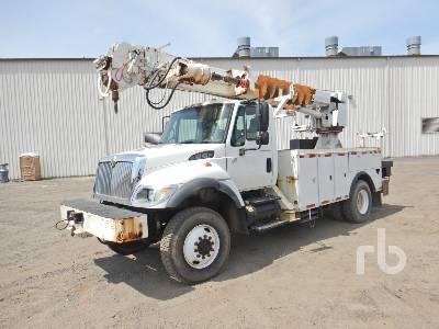 2005 INTERNATIONAL 7300 4x4 w/Altec DM47R Digger Derrick Truck