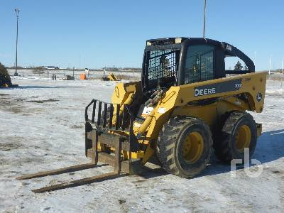 2006 JOHN DEERE 332 Skid Steer Loader