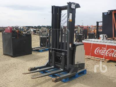 CROWN SH5520-40 Power Stacker Electric Forklift