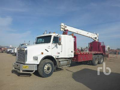 2001 FREIGHTLINER FLD112SD T/A w/National 400A Boom Truck