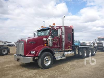 2014 KENWORTH T800 Tri Drive Sleeper Winch Tractor