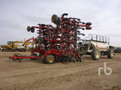 2013 BOURGAULT 3320PHD QDA 76 Ft Tow-Between Air Drill