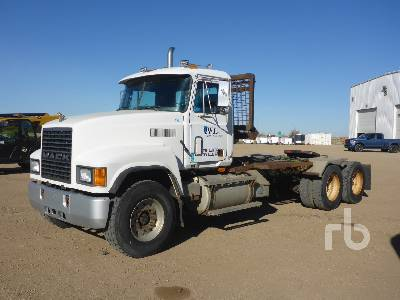 1998 MACK CH613 Day Cab Truck Tractor (T/A)