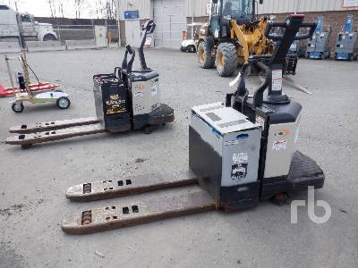 CROWN 6000 Lb Electric Pallet Jack