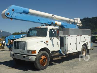 2001 INTERNATIONAL 4900 S/A w/Altec AN755 Bucket Truck