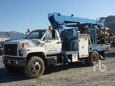 2000 GMC C7500 Topkick S/A w/Terex 4045 Digger Derrick Truck