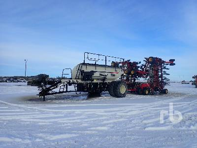 2011 BOURGAULT 3310 65 Ft Air Drill