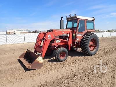 INTERNATIONAL 1066 Farmall 2WD Tractor
