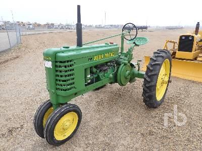 JOHN DEERE H Narrow Front Antique Tractor