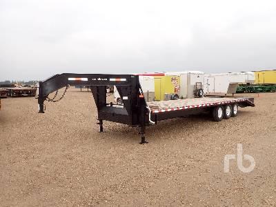 2012 SWS 30 Ft x 8 Ft 6 In. Tridem Equipment Trailer