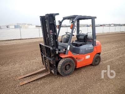 TOYOTA 7FGU25 3950 Lb Forklift