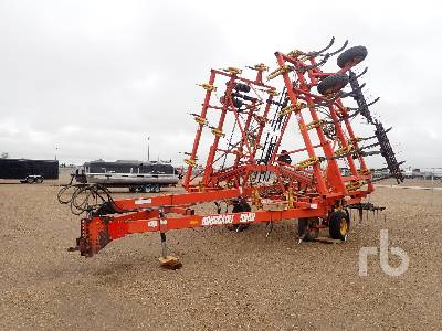 2002 BOURGAULT 9800 36 Ft Cultivator