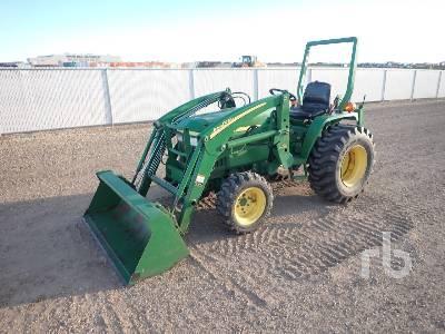 JOHN DEERE 790 Utility Tractor