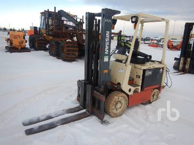 1993 NISSAN CYGM02L30S 4025 Lb Electric Forklift