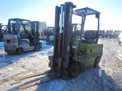 CLARK C500-50 4450 Lb Forklift
