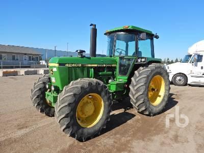 1982 JOHN DEERE 4240S MFWD Tractor
