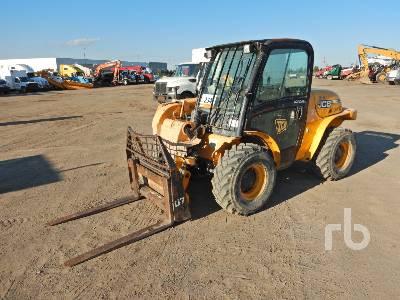 JCB 520-40 4000 Lb 4x4 Telescopic Forklift