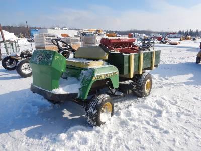 JOHN DEERE 1800 Utility Tractor