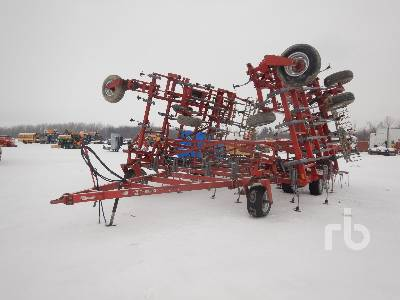 2003 WIL-RICH QUAD X 45 Ft Field Cultivator