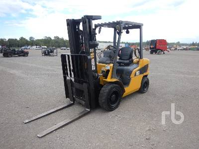 2010 CATERPILLAR 2P6000 9880 Lb Forklift