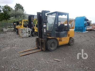 2001 CATERPILLAR GP30K 5300 Lb Forklift