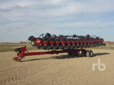 CASE IH 1240 Early Riser 31 Row 30/15 In. Planter