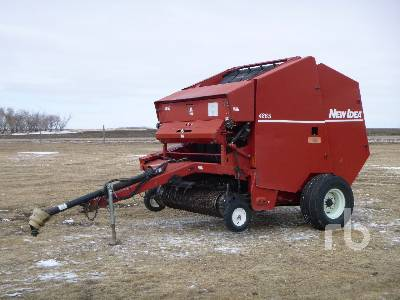 1992 NEW IDEA 4865 Round Baler
