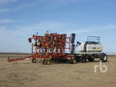 1997 BOURGAULT 5710 52 Ft Air Drill