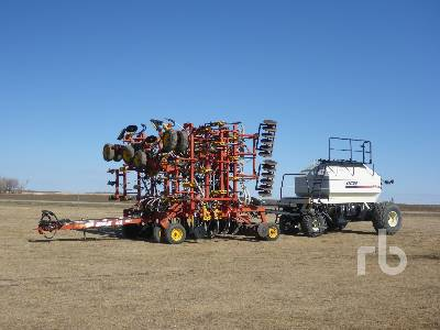 2001 BOURGAULT 5710 Series II 47 Ft Air Drill
