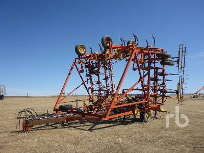 1997 BOURGAULT 6800 50 Ft Cultivator