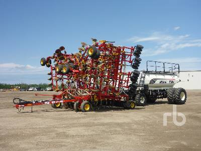 2010 BOURGAULT 5710 Series II 60 Ft Tow-Between Air Drill