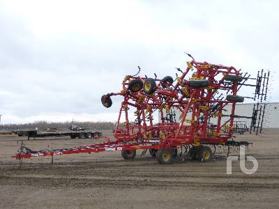 2012 BOURGAULT 9400 60 Ft Cultivator
