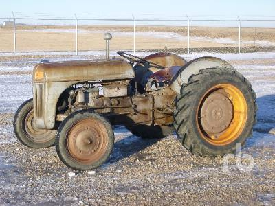 1941 FORD 9N Parts Only 2WD Antique Tractor