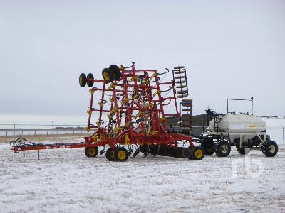 2004 BOURGAULT 5710 Series II 40 Ft Air Drill