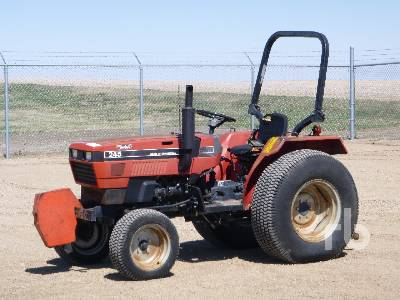 1988 CASE IH 245 2WD Utility Tractor