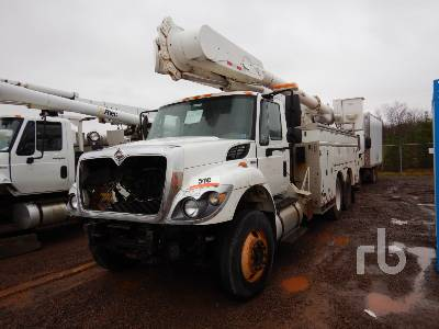 2010 INTERNATIONAL 7400 Bucket Truck