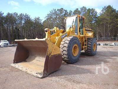 1998 JOHN DEERE 744H Wheel Loader